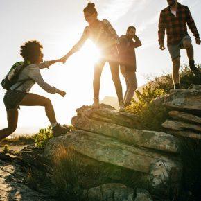 3.doğa yürüyüşlerine katıl